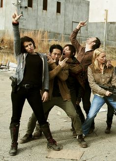 The Goofy Dead - Cast of AMC's The Walking Dead goofing it down between takes!