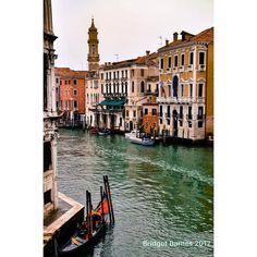 Early morning wandering through Venice 14 March 2011 . . . . . #venice #venezia #italy #italia #travel #traveler #travelgram #travelphotography #travelblogger #grateful #countingblessings #tbt #beautifuldestinations #passionpassport #beautifulworld #beautifuldestinations #travelawesome #travelstoke #iamatraveler #ricksteveseurope #topeuropephoto #boat #dustysolesblog #instaitalia #ig_italia #igersitaly #wanderlust