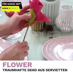 With Flower 🌸 you can conjure up dreamy decorative flowers from simple napkins! With Flower 🌸 you can conjure up dreamy decorative flowers from simple napkins! Diy And Crafts, Crafts For Kids, Arts And Crafts, Christmas Crafts, Christmas Decorations, Embroidered Towels, Napkin Folding, Wedding Napkins, Table Wedding