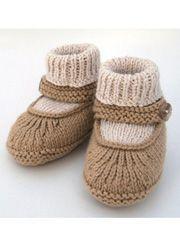 Crochet Baby Booties Baby Merry-Jane – Knitting Patterns and Crochet Patterns fro… Baby Knitting Patterns, Baby Booties Knitting Pattern, Crochet Baby Shoes, Crochet Baby Booties, Knitting For Kids, Baby Patterns, Knit Crochet, Crochet Dolls, Baby Shoes