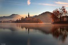 Bled Lake Bled (Slovene: Blejsko jezero par Luca Lanzani