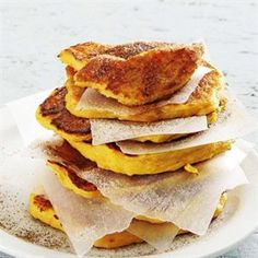 Makes 12 large fritters Steaming time: 10 min Preparation time: 10 min Cooking time: 10 min 500 ml. Pumpkin Fritters, Great Recipes, Favorite Recipes, South African Recipes, Tasty Dishes, Side Dishes, Everyday Food, Pumpkin Recipes, Food Inspiration