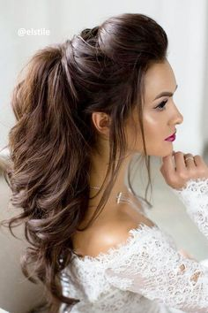 Check out these 42 elegant half updo wedding hairstyles, from Long Hairstyles: Can't decide between an updo and downdo as your wedding hair? Here are the best 42 Elegant Half Updo Styles for Weddings that you can style in [READ MORE] >> Wedding Hairstyles Half Up Half Down, Half Up Wedding Hair, Easy Hairstyles For Long Hair, Wedding Hairstyles For Long Hair, Wedding Hair And Makeup, Bride Hairstyles, Trendy Hairstyles, Hairstyle Ideas, Long Haircuts
