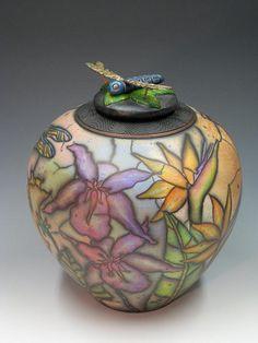 Collaborating Artists making Naked Raku Contemporary Ceramics in Hawaii Raku Pottery, Roseville Pottery, Pottery Art, Pottery Workshop, Ceramic Workshop, Clay Box, Glaze Paint, Pottery Designs, Pottery Ideas