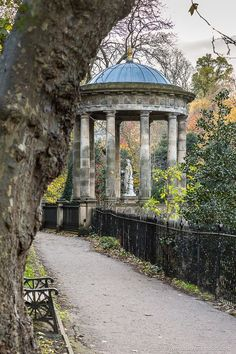 The beautiful St Bernard's Well in Dean Gardens in Edinburgh, Scotland. #edinburgh #scotland #uk #architecture