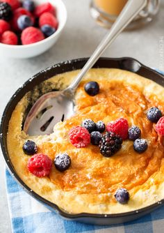 Fluffy Baked Oatmeal Souffle by thewearychef: Except one step of beating egg whites, this breakfast souffle is about as easy as making regular oatmeal. You will love it for breakfast or brunch! #Oatmeal