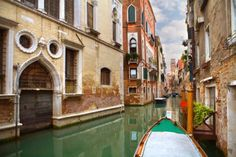 unique city0 Take a tour of beautiful streets across the world (24 photos)