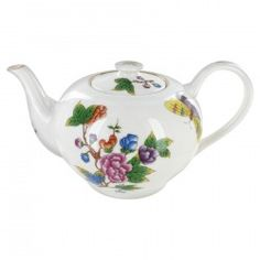 Gold Butterfly Porcelain - 5 Cup Teapothttp://www.englishteastore.com/teapots/gold-butterfly-porcelain-5-cup-teapot.html