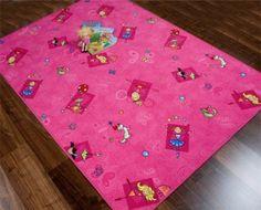 """Mädchen Teppiche der Kollektion """"Princess"""" lassen Kinderherzen höher schlagen! Kinderteppiche mit lustigen Prinzessinnen Motiven finden Sie innerhalb der Prinzess-Kollektion in diversen fröhlichen und kindergerechten Farben. Der Mädchen Teppich steht Ihnen  in einem kräftigen Pink, in einem frischen Grün, in einem sonnigen Gelb oder in einem modischen Lila zum versandkostenfreien Bestellen bereit."""