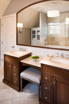 Looking for modern double sink bathroom vanity sets to select from? Find a full photo gallery and get new ideas to beautify your bathroom with double sink. Bathroom With Makeup Vanity, Bathroom Vanity Designs, Small Bathroom Vanities, Double Sink Bathroom, Double Sink Vanity, Double Sinks, Master Bathroom, Bathroom Ideas, Brown Bathroom