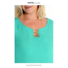 (ref. 109271) Blusa de viscose lisa com decote vazado customizado em aplique de aviamento metal dourado. Super charmoso, caimento perfeito. Confiram mais novidades em www.fammix.com.br #fammix #modagrande #modafeminina #plussize #plussizefashion #plussizebrasil