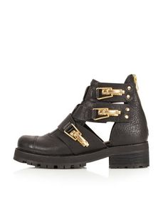 Topshop AJ Black Leather Heavy Cut Out Gold Buckle Ankle Biker Boots 3 4 5 6 7 Day Festival Outfit, Music Festival Outfits, Festival Style, Music Festivals, Leather Booties, Black Booties, Ankle Booties, Topshop Boots, Stylish Work Outfits