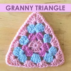 Free crochet pattern - Granny Triangle
