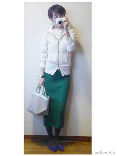 モコーデ: ZARAニットスカートのホワイトグリーン秋コーデ 10月6日