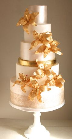 Gold Lily Cake - by flutterby @ CakesDecor.com - cake decorating website
