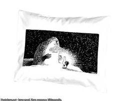Mustavalkoiset muumi-tyynyliinat, mörkö, haisuli ja pikkumyy