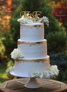 Luxury wedding cake : by Lucya - http://cakesdecor.com/cakes/301814-luxury-wedding-cake #weddingcakes