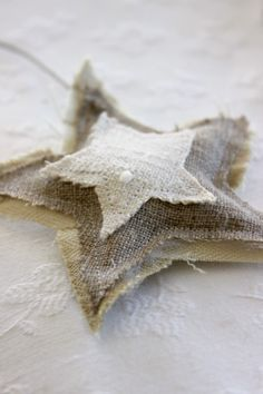 Layered star- but maybe out of something else instead of burlap. Natural Christmas, Noel Christmas, Christmas Colors, All Things Christmas, Winter Christmas, Handmade Christmas, Christmas Ornaments, Burlap Ornaments, Burlap Crafts
