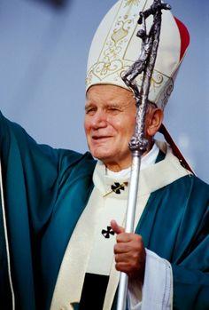 Karol Wojtyła - Pole, friend, father and pope of families is saint now Saint Jean Paul Ii, Pope John Paul Ii, Paul 2, Saint John, Catholic Saints, Roman Catholic, Pape Jeans, Papa Juan Pablo Ii, Lady Of Fatima