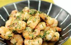 Γαρίδες με σκόρδο και ούζο Food Network Recipes, Food Processor Recipes, Cooking Recipes, Healthy Recipes, Prawn Fish, Fish And Seafood, Seafood Dishes, Fish Dishes, Shrimp Recipes