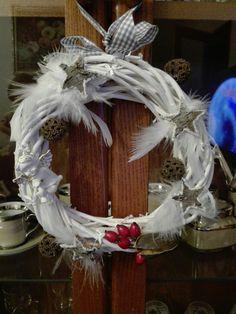 Andělský věneček Christmas Wreaths, Holiday Decor, Home Decor, Christmas Garlands, Homemade Home Decor, Holiday Burlap Wreath, Decoration Home, Interior Decorating