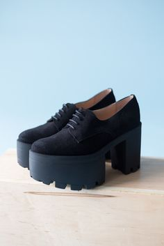Ss16, All Black Sneakers, Clogs, Collection, Fashion, Clog Sandals, Moda, Fashion Styles, Fashion Illustrations