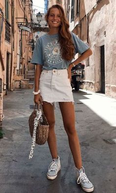 - home accessoriesUntitledvsco outfit - sam lead - summer. - stay outfit sam VSCO - some . - stay outfit sam VSCO - some . White Denim Skirt, Denim Skirt Outfit Summer, Jean Skirt Outfits, T Shirt Outfits, Denim Skirts, Jean Skirts, Casual Skirt Outfits, Rock Outfits, Black Skater Skirt Outfit