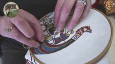 Bayeux Stitch Tutorial This woman makes a living imitating the style of the Bayeux Tapestry. This video show how to embroid the Bayeux's stitch used in it. From the workshop Bayeux Broderie: Bayeux, France. Medieval Embroidery, Crewel Embroidery, Cross Stitch Embroidery, Embroidery Patterns, Bayeux Tapestry, Medieval Tapestry, Medieval Crafts, Embroidery Techniques, Needlework