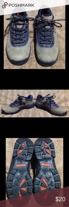 Hi -Tec low Hiking Shoes waterproof size 8.5 Hardly used  hiking boots . Excellent conditio. Size 8.5 khaki color and orange Hi-Tec Shoes Boots