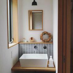 サンワカンパニーのある暮らし サンワカンパニー in 2020 Small Space Design, Small Space Living, Toilet Room, Washroom, Bathroom Interior, House Plans, Bathtub, Vanity, Toilets