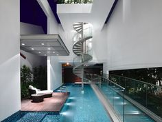 Amazing_Narrow_Dream_Home_In_Singapore_by_Hyla_Architects_on_world_of_architecture_01.jpg (728×547)