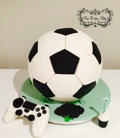 Oreo cookies white chocolate mud cake with edible joystick decoration Ps4 Cake, White Chocolate Mud Cake, Soccer Cake, Cakes For Boys, Oreo Cookies, Decoration, Board, Recipes, Beautiful