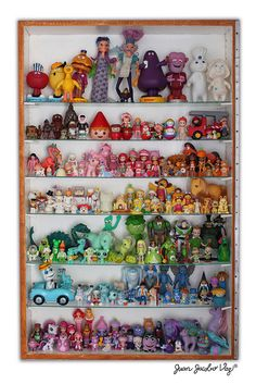 Oh LOVE! Magical shelf of 80's toys.