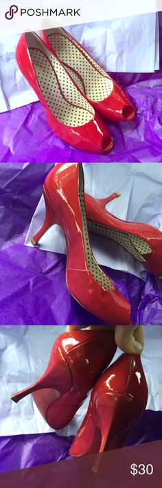 😃BCBGIRLS Red Heels😃 These Classy red heels are a compliment to any outfit. They are in excellent condition and shine beautifully. They are a size 9 1/2 B. BCBGirls Shoes Heels