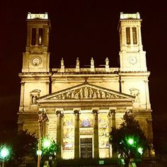 Things you come across on a casual bike ride home when you live in #Paris. ❤  #takemetoparis #takemetoparisapartments #france #europe #building #church #architecture #night #nightlife #parisbynight #parisjetaime #travel #instatravel #travelgram #holiday #vacation #wanderlust #adventure #topparisphoto @topparisphoto