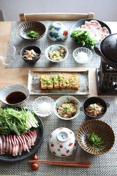 こういう何品も作る夕飯・・・いいなあ。だいたい1−2品しか作れないのでこれを目指す! Japanese dinner at home with buri-shabu using yellowtail fish 鰤しゃぶの夕食