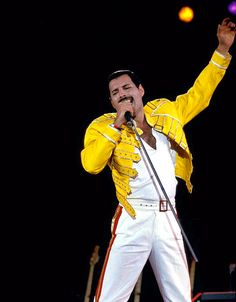 i can still hear freddie sing Queen Freddie Mercury, Freedy Mercury, King Of Queens, Ben Hardy, We Will Rock You, Blues Artists, Queen Band, John Deacon, Star Wars