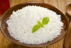 Unbelievable healthy benefits of rice that is sure to leave you floored and make you want to eat it all the time of the day. How To Reheat Rice, How To Boil Rice, Home Remedies For Anxiety, Benefits Of Rice, Health Benefits, Rice Water Recipe, White Rice, World Hunger, Rice Bowls