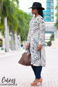 Curves and Confidence: H&M Printed Tunic and Old Navy Rockstar Jeans Curves And Confidence, Curvy Girl Fashion, Womens Fashion, Average Size Women, Old Navy Rockstar Jeans, Girl Blog, Passion For Fashion, Work Wear, Fashion Bloggers