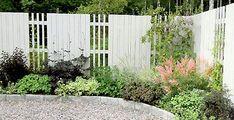 Stunning Affordable Paviljonger Trdgrd With . Front Garden Landscape, Garden Fencing, Diy Planters Outdoor, Outdoor Gardens, Fence Design, Garden Design, Walled Garden, Home Landscaping, Garden Pictures
