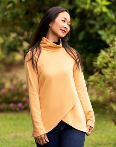Itch to Stitch Orono Top PDF Sewing Pattern | This should be good for a sweater knit, but be sure to test your stretch first.
