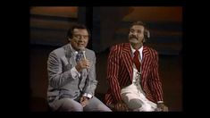 Sending good wishes out to Ray! Marty Robbins and Ray Price Sing Together Live Bro Country, Live Country Music, Best Country Singers, Country Music Videos, Country Songs, Marty Robbins, Ray Price, Woman Singing, Bluegrass Music