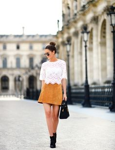 Anette Haga is wearing a beige Zara mini skirt