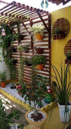 43 Brilliant On a Budget DIY Home Decor Ideas    - DIY and Crafts #Brilliant #Budget #Crafts #Decor #DIY #Home #Ideas #SpecialHomeDecor #HomeDecor #home #decor<br> Small Patio Ideas On A Budget, Budget Patio, Diy On A Budget, Vertical Garden Design, Small Garden Design, Small Balcony Design, Vertical Gardens, House Plants Decor, Plant Decor