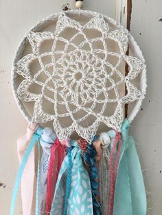 Best 11 I made this dream catcher with a crochet center doily. Longest Strips The dream catcher – SkillOfKing. Doily Dream Catchers, Dream Catcher Boho, Crochet Wall Art, Hand Crochet, Crochet Mandala Pattern, Crochet Patterns, Scarf Holder, Crochet Dreamcatcher, Diy Tumblr