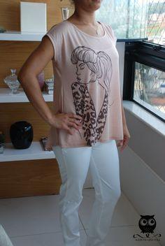 Beijinho no ombro pro recalque passar longe ;) Blusa beijinho no ombro e calça tricotina <3 www.missconstancia.iluria.com