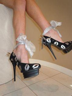 High Heel Spiked Platform Black/Silver Lips :)