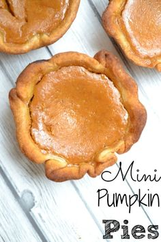 Mini Pumpkin Pies by To Simply Inspire | Pumpkin Pie Recipes and Pumpkin Pie Flavored Recipes!