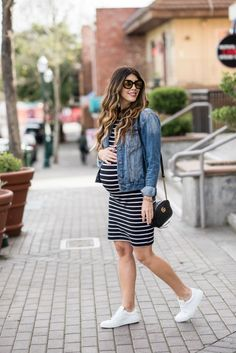 Two Looks in the Comfiest Sneakers | spring style | spring fashion | spring outfit ideas | maternity fashion | maternity to style | pregnancy fashion | warm weather fashion || The Girl in the Yellow Dress #pregnancyfashion #maternitystyle #casualmaternity