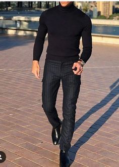 mens_fashion - Black on Black 💯 mensfashion foodfashionlifestyle gentlemen fallmensfashion Outfits Casual, Stylish Mens Outfits, Mode Outfits, Men Casual, Winter Outfits Men, Suit Fashion, Boy Fashion, Mens Fashion, Fashion Outfits